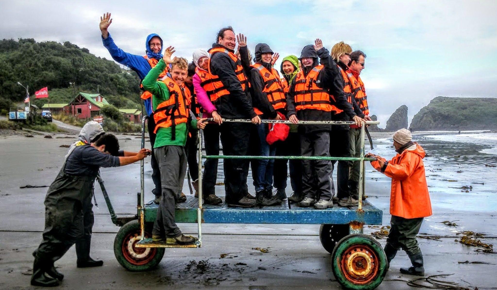 Reisende unserer Chile-Rundreise auf derInsel Chiloé