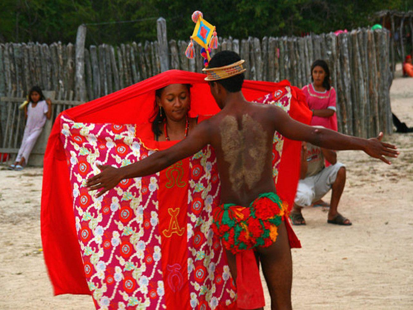Die Reise im Boot von Kolumbien nach Panama ist ein Abenteuer, das alle Reiseherzen höher schlagen lässt. Das Paradies erwartet uns!