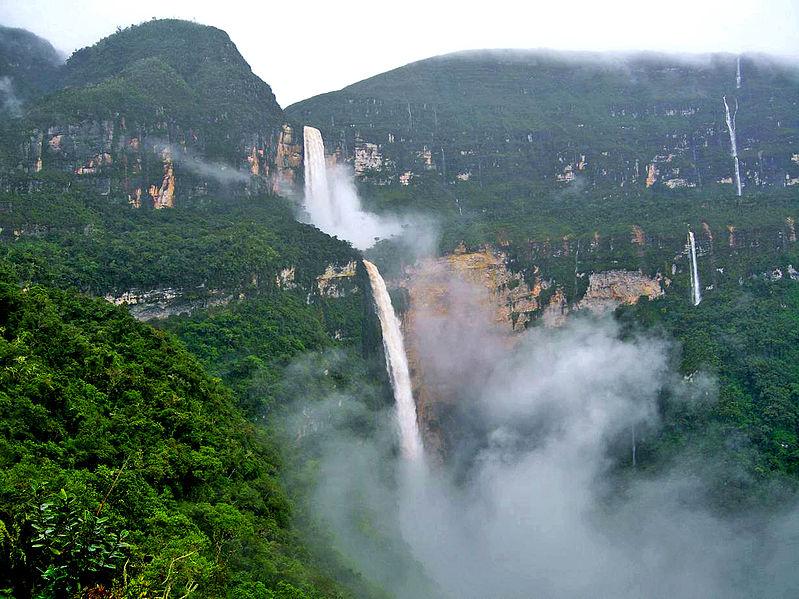 Der atemberaubende Gocta Wasserfall: Einer der höchsten auf Erden. Quelle: Wikipedia.