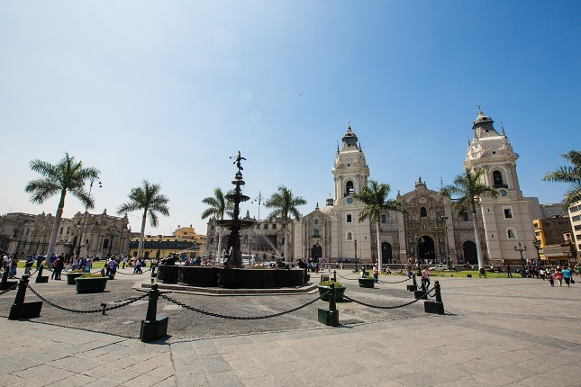 Top 10 Peru Highlights: Limas zahlreiche Ruinen und seine historischen Kirchen und Anwesen, die ihre Geschichte aus der Vergangenheit erzählen, erwarten den Besucher.