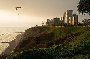 Die Costa Verde in Perus Wüstenhauptstadt Limas. Quelle: Viventura.