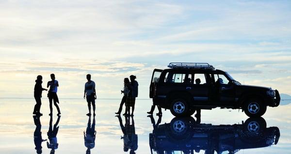 Der Salar de Uyuni in Bolivien fasziniert in der Regenzeit mit seinen atemberaubenden Spiegelungen.