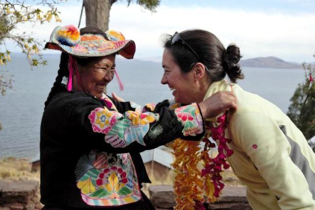 Auf einer Halbinsel am Titicacasee übernachten viventura Reisende bei Einheimischen.