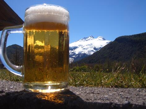 Bier mit Vulkan