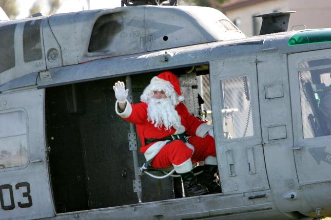 Weihnachten in Südamerika: In Brasilien fliegt der Weihnachtsmann mit dem Hubschrauber ins Stadium