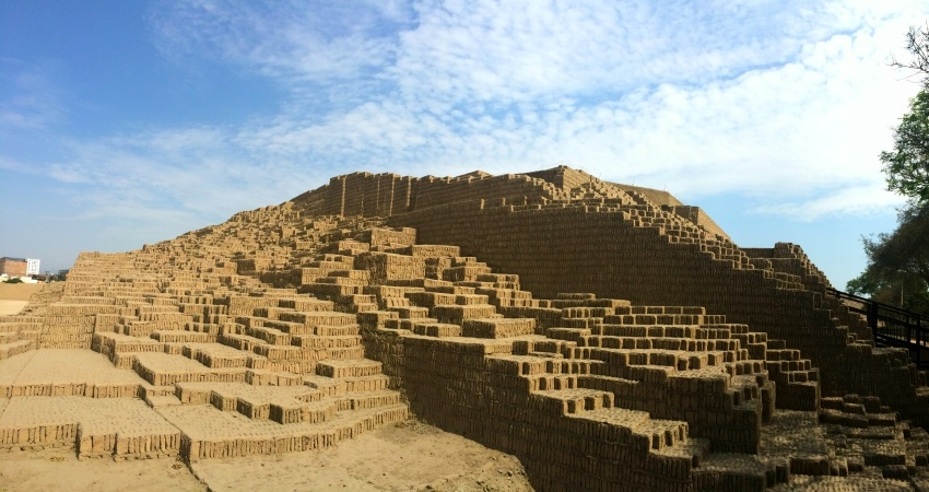 Die Huaca Pucllana in Lima. Quelle: Wikipedia Commons.