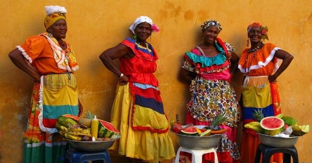 In den Gassen von Cartagena werden überall frische Früchte angeboten.